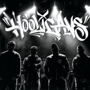 Deltantera: 935 - Hooligans