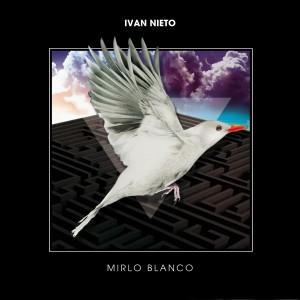 Deltantera: Iván Nieto - Mirlo blanco