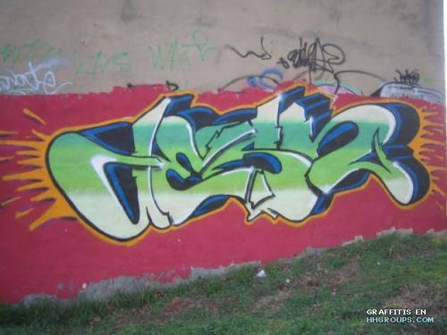 Graffiti de Desh verdes en Burgos